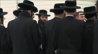 Rank and file thin guys at Lev Tahor