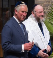 prince-charles-and-rabbi-mirvis-e13782172783111